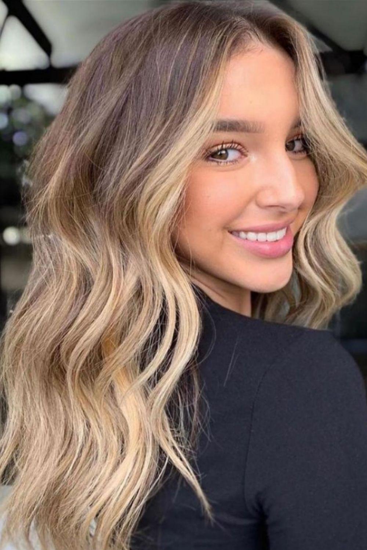 How to make curtain bangs for medium-length hair?