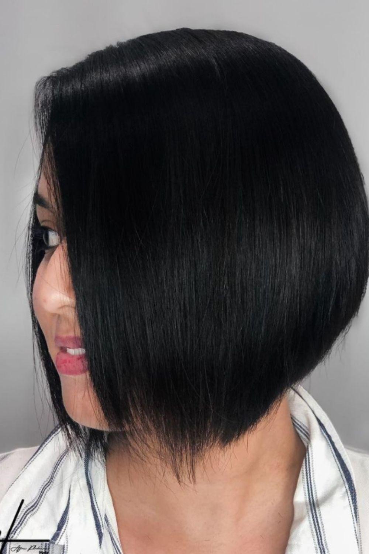 medium lengths of hair should be kept straight