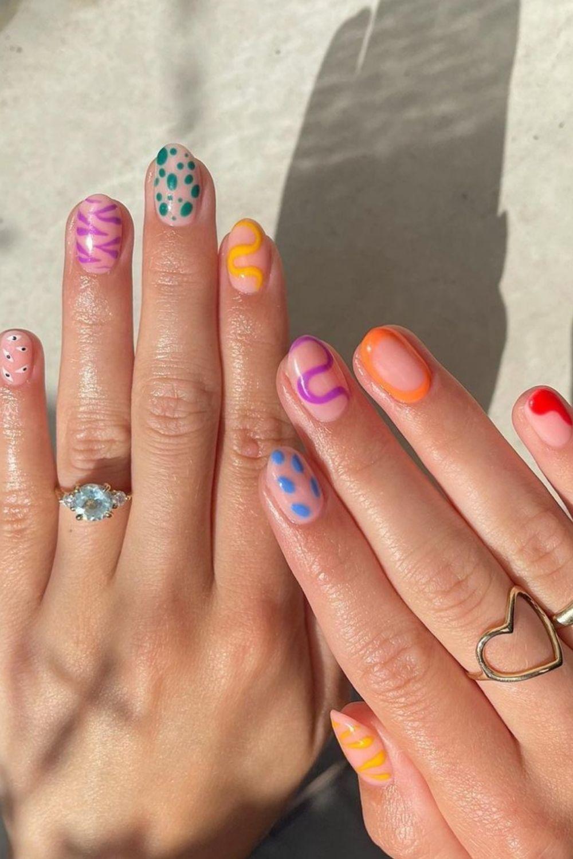 30 pretty Fall acrylic nails with short almond nail ideas