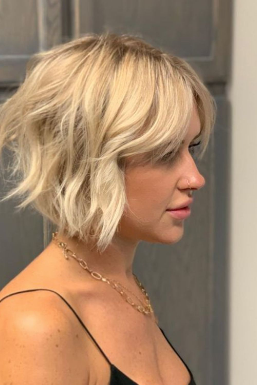 What is an stacked inverted bob haircut?
