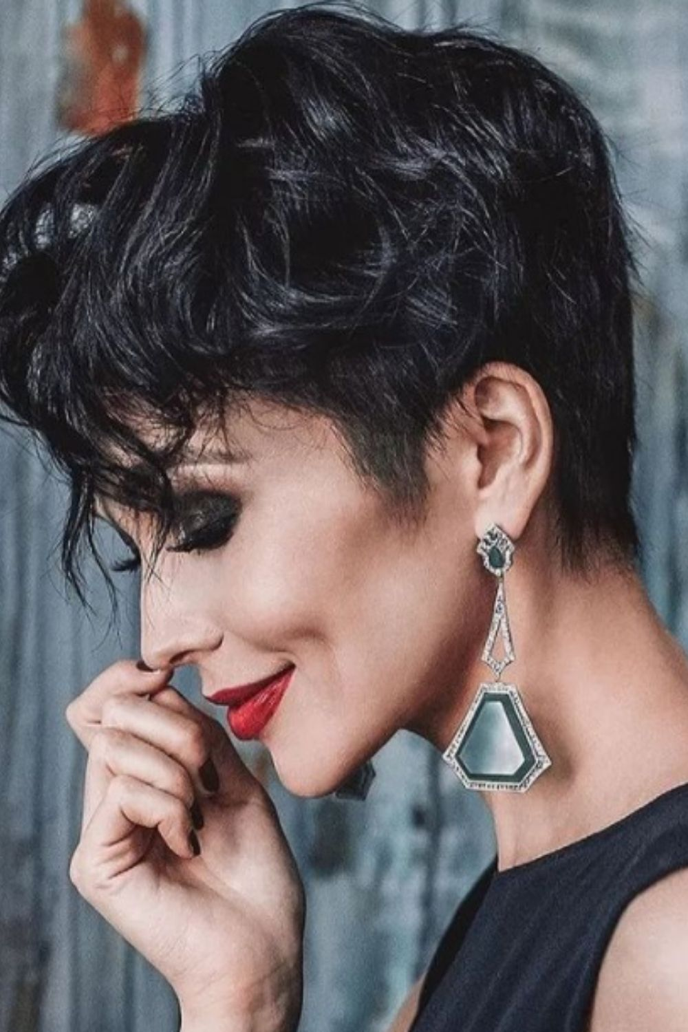 What is pixie haircuts for wavy hair?