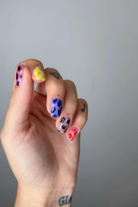 Short square acrylic nails for pastel nail design